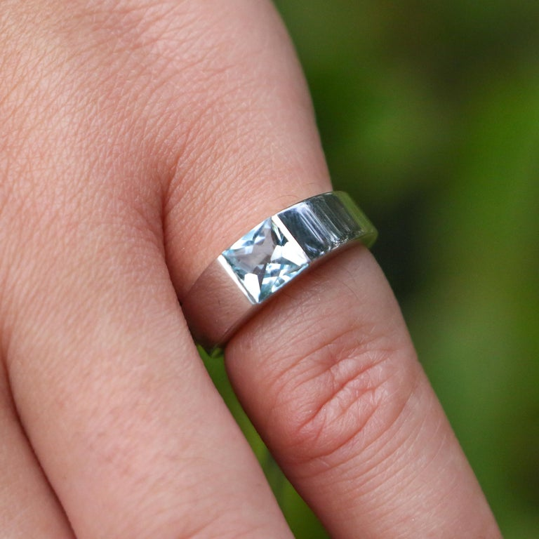 Cartier 1 Carat Aquamarine Ring In Excellent Condition For Sale In Carlsbad, CA