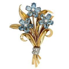 Cartier 14 Karat Yellow Gold Aquamarine Diamond Leaf Brooch