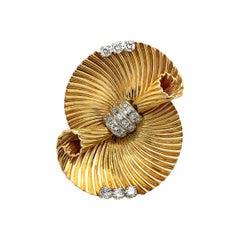 Cartier 14 Karat Yellow Gold Diamond Clip Brooch