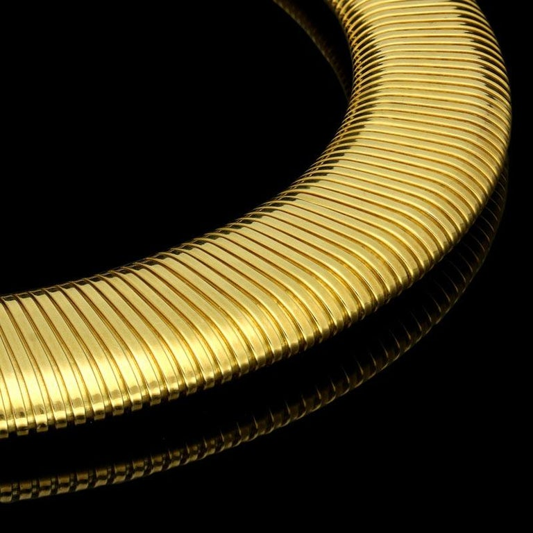 Cartier 18 Carat Yellow Gold Wide Flattened Gas-Pipe Style Necklace, circa 1950s In Good Condition For Sale In London, GB