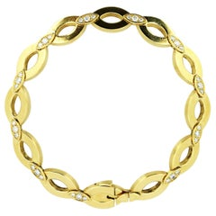 Cartier 18 Karat Solid Yellow Gold Ladies Bracelet, Paris, circa 1990s