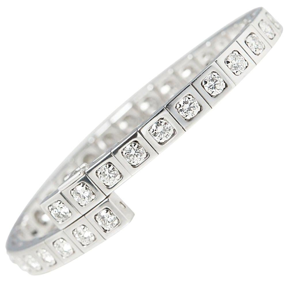 Cartier 18 Karat White Gold Round Brilliant Cut Diamond Tectonique Bracelet