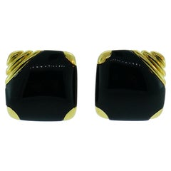 Cartier 18 Karat Yellow Gold and Onyx Clip on Earrings, circa 1940s Retro