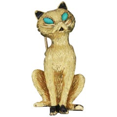 Cartier 18 Carat Gold Novelty Brooch Modelled as a Seated Cat, 1967
