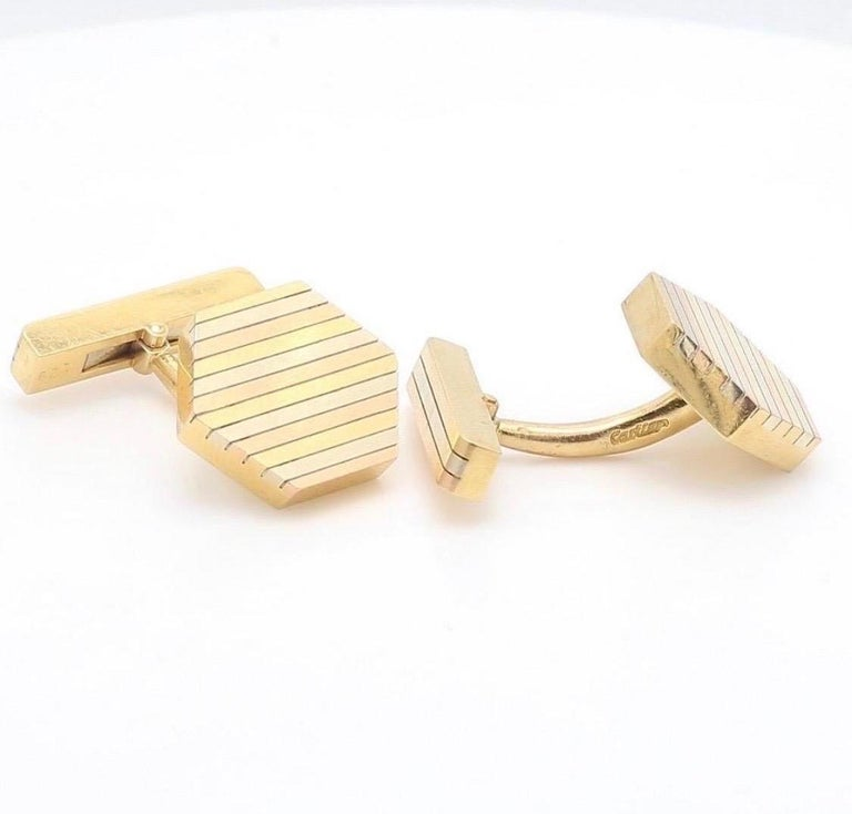 Elegant pair of Cartier gentleman cufflinks. This pair of cufflinks explfies Cartier of the 1980's, classy and refined elegance at its best. viewings available in our NYC wholesale office by appointment.,