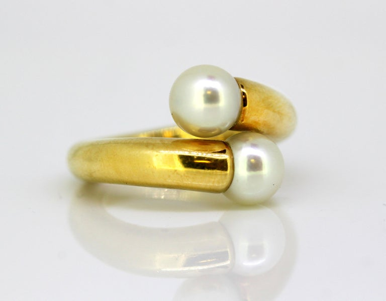 Cartier, 18 Karat Gold Ladies Ring with Two Natural Freshwater Pearls For Sale 2