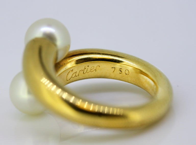 Cartier, 18 Karat Gold Ladies Ring with Two Natural Freshwater Pearls For Sale 4