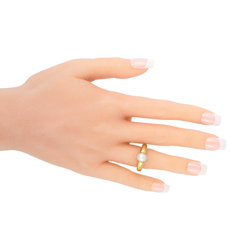 Cartier 18 Karat Yellow Gold Pearl Ring In Excellent Condition In Southampton, PA