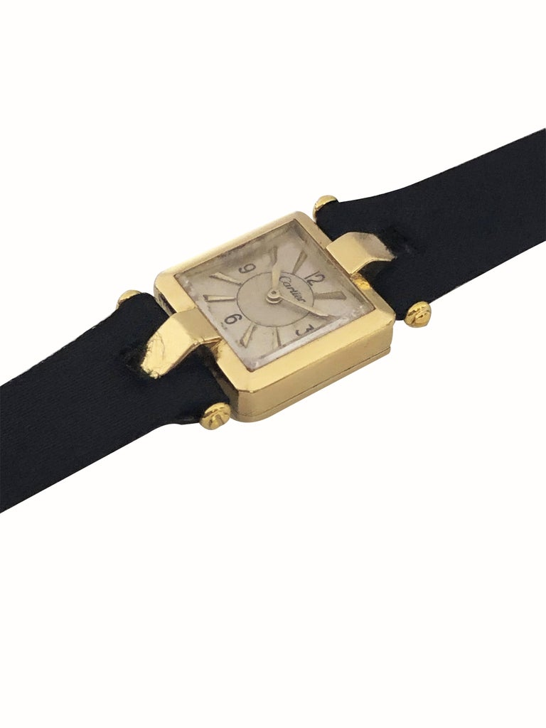 Cartier 1930s EWC Gold Ladies Mechanical Wristwatch In Excellent Condition For Sale In Chicago, IL