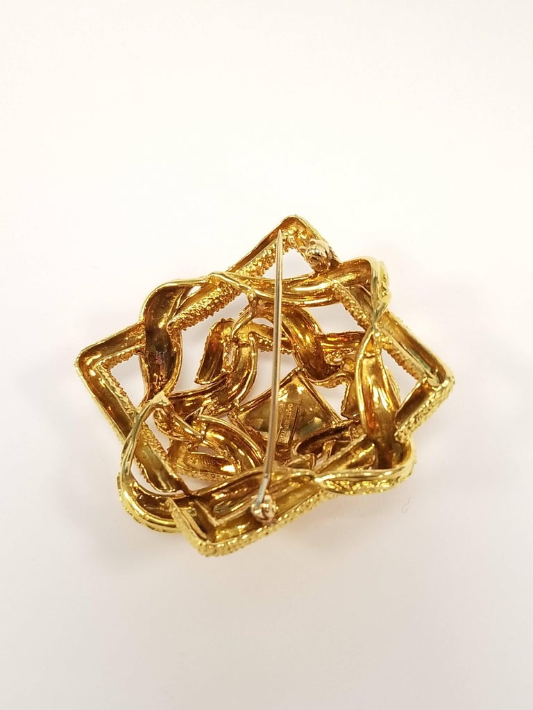Cartier 1960s Gold Brooch In Excellent Condition For Sale In New York, NY