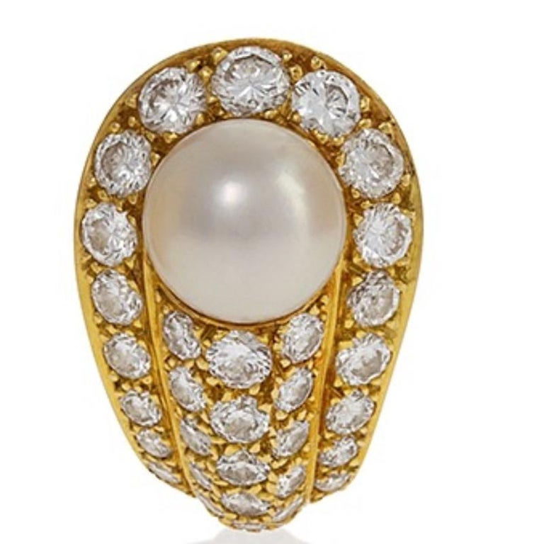Cartier 1990s Gold, Diamond and Pearl Earrings In Excellent Condition For Sale In New York, NY