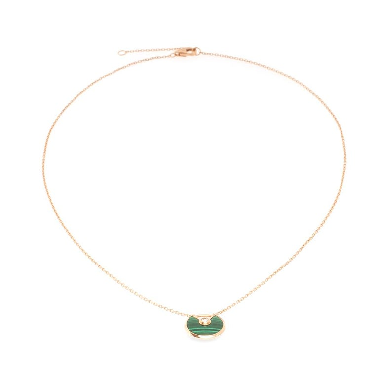 We fell in love with this Cartier necklace at first glance. Look at its gorgeous yet subtle accents and picture how it will beautifully sit on your neck and charm your peers. The exquisite creation is from the Amulette de Cartier collection. It is
