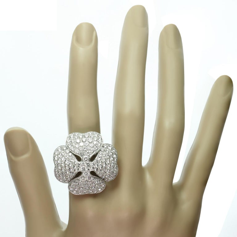 Women's Cartier Anniversary Edition 10 Carat Diamond White Gold Clover Ring For Sale