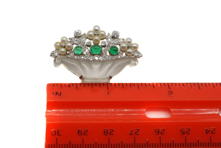 Cartier Art Deco Emerald Diamond Rock Crystal Pearl Platinum Brooch In Excellent Condition For Sale In New York, NY
