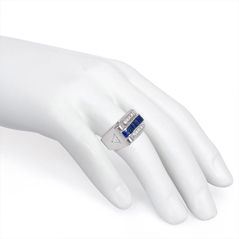 Women's or Men's Cartier Art Deco Platinum, Diamond, and Buff-Top Sapphire Ring For Sale