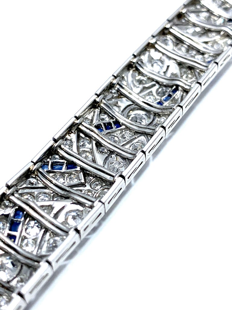 Art Deco Round Diamond and Sapphire Platinum Bracelet For Sale 3