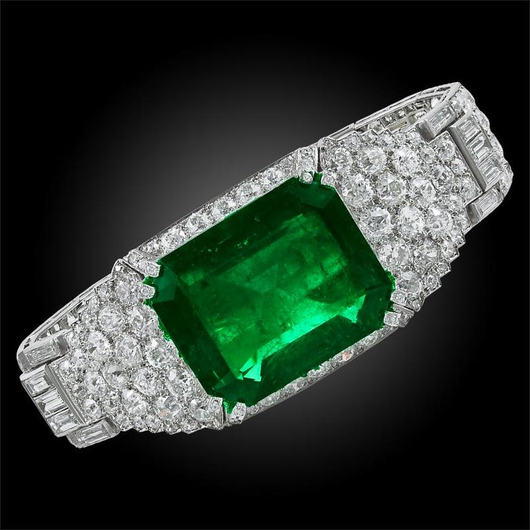 Cartier Colombian Emerald and Diamond Bracelet In Good Condition For Sale In New York, NY