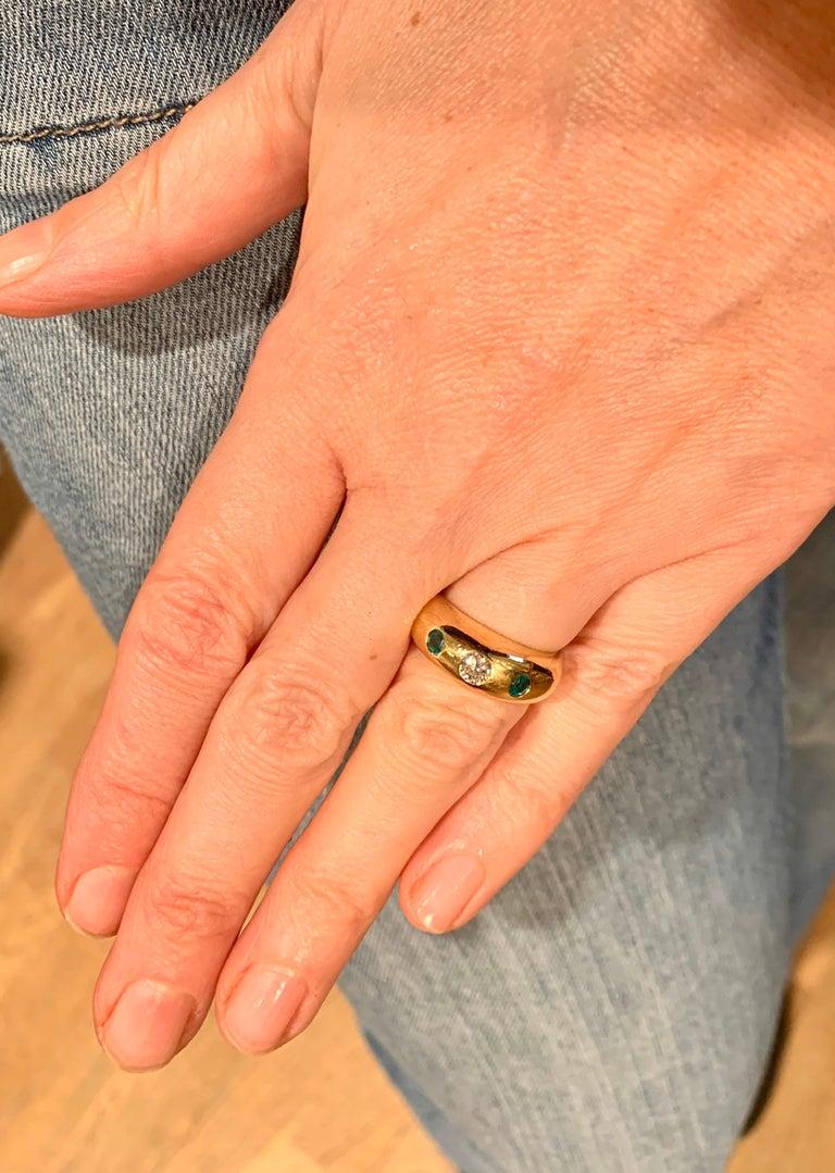 Round Cut Cartier Daphnée Diamond Emeralds 18 Carat Yellow Gold Ring