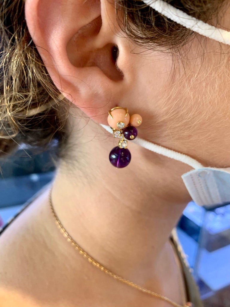 Women's or Men's Cartier 'Delice de Goa' Earrings with Amethyst, Diamonds and Coral in 18K Gold For Sale
