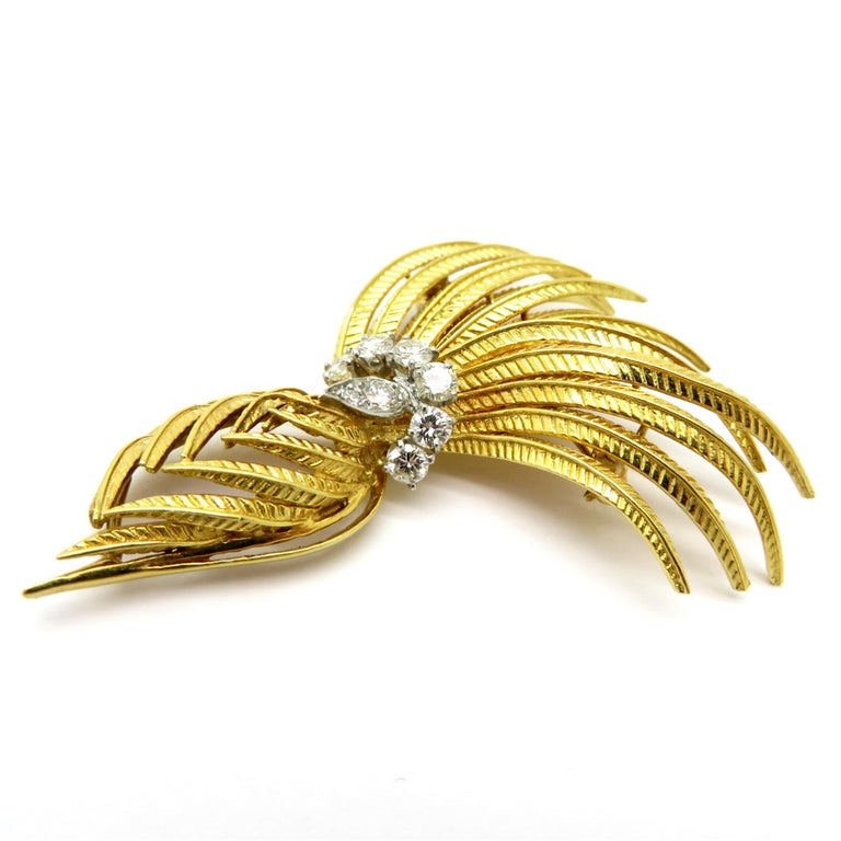 Retro Cartier Designer Round 1 Carat Diamond Feather 18K Two-Tone Brooch Pin #1393 For Sale
