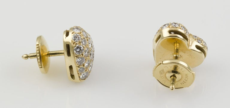 Contemporary Cartier Diamond 18 Karat Gold Heart Shaped Stud Earrings For Sale