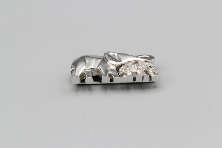 Women's or Men's Cartier Diamond Emerald and 18 Karat White Gold Elephant Mother Brooch For Sale