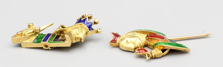 Cartier Diamond Enamel and 18 Karat Gold King and Queen Jabot Brooch For Sale 1