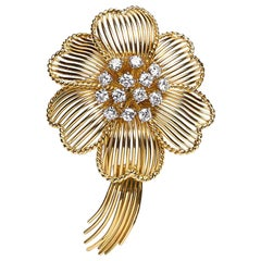 Cartier Diamond Gold Flower Brooch, circa 1960