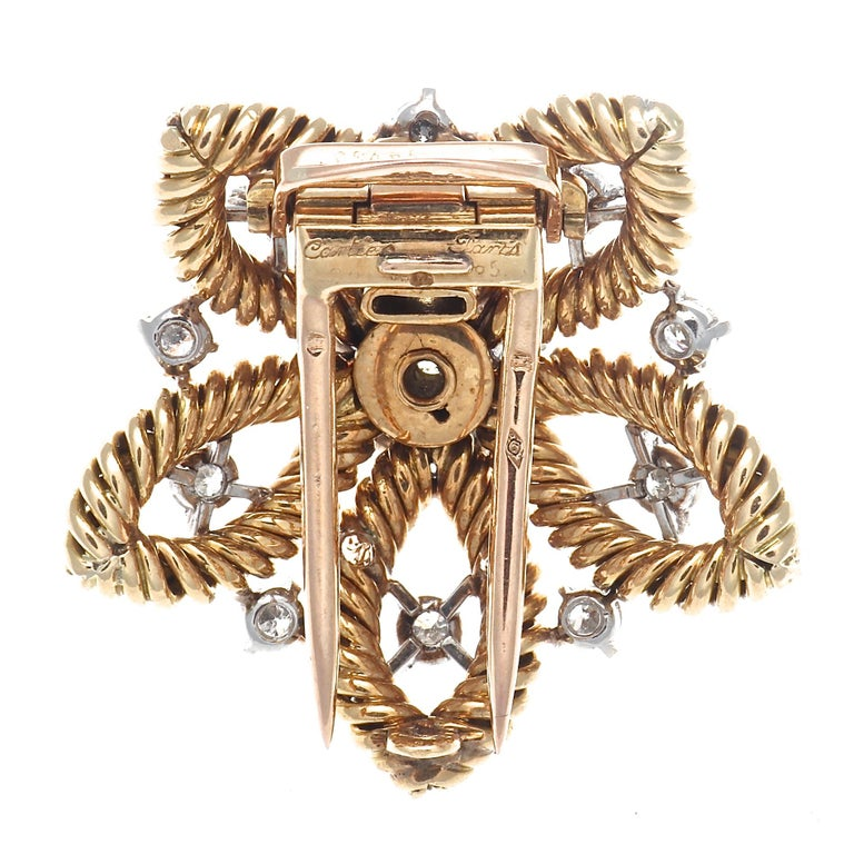 1950s Cartier Paris Diamond Gold Flower Brooch In Excellent Condition For Sale In Beverly Hills, CA