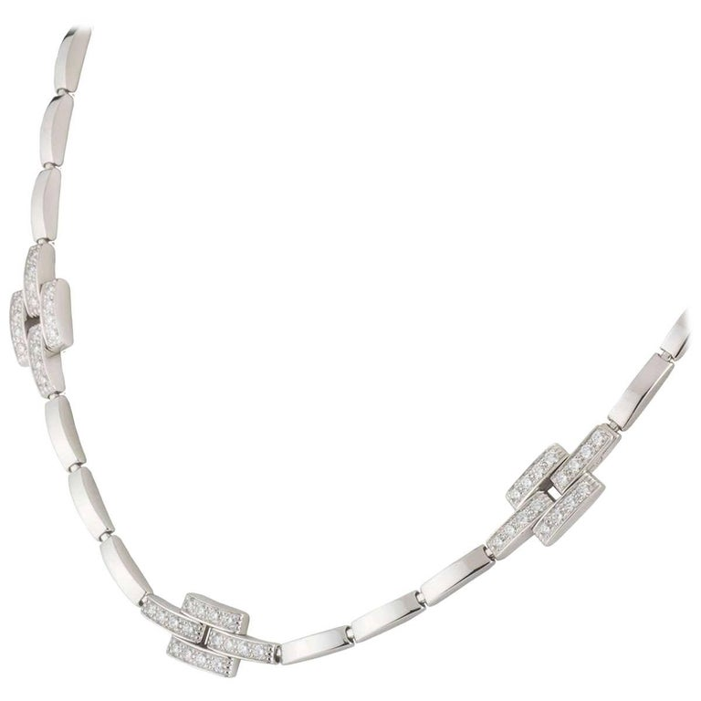 A beautiful 18k white gold Cartier diamond Maillon Panthere necklace from the Links and Chains collection. The necklace comprises of 1 row of 34 white gold flexi bar links with 3 iconic Maillon links complemented with 48 round brilliant cut diamonds