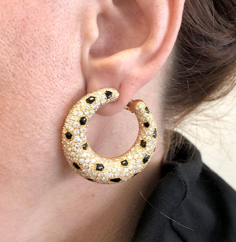Cartier Diamond, Onyx Panther Earrings In Good Condition For Sale In New York, NY