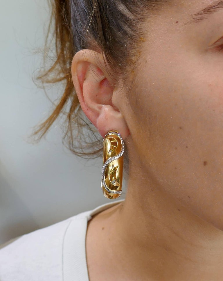 Cartier Diamond Yellow Gold Hoop Earrings In Excellent Condition For Sale In Beverly Hills, CA