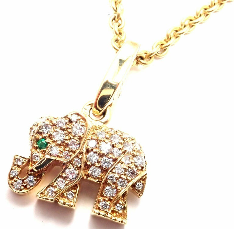 Cartier Elephant Diamond Emerald Yellow Gold Pendant Chain Necklace In Excellent Condition For Sale In Holland, PA
