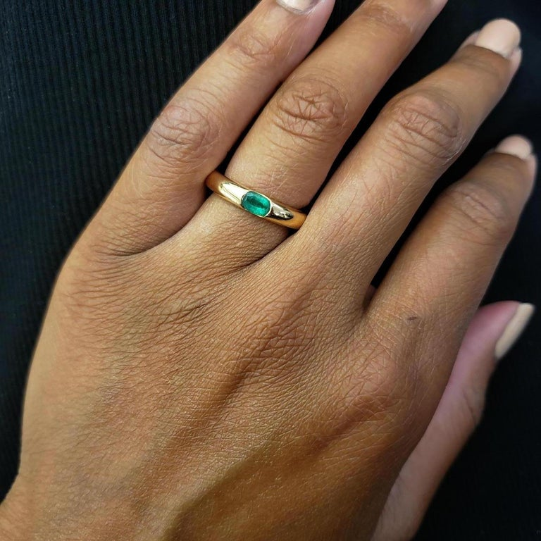 Women's Cartier 'Ellipse' Gold and Emerald Ring For Sale