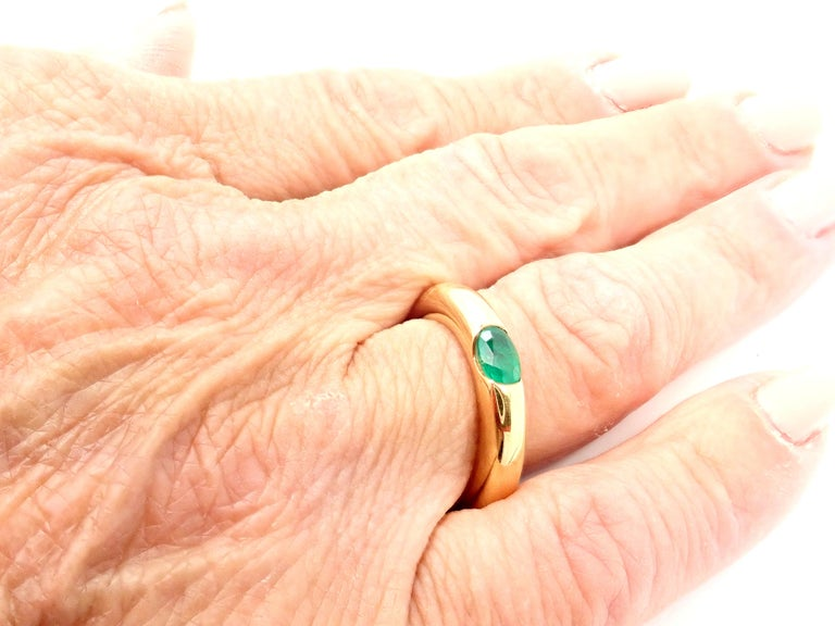 Oval Cut Cartier Emerald Ellipse Yellow Gold Band Ring For Sale