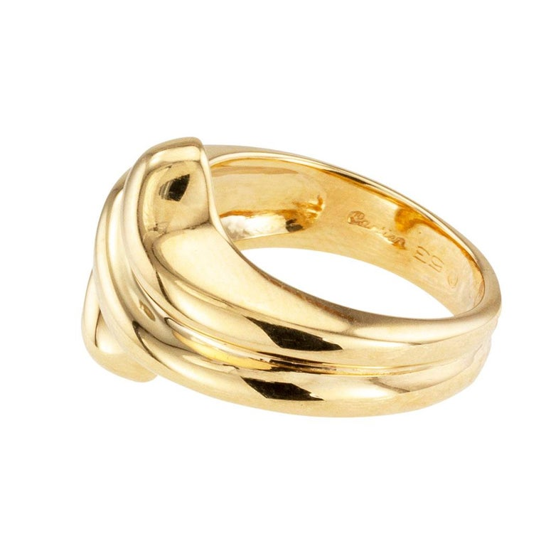 Contemporary Cartier Fluted Yellow Gold Ring Band For Sale