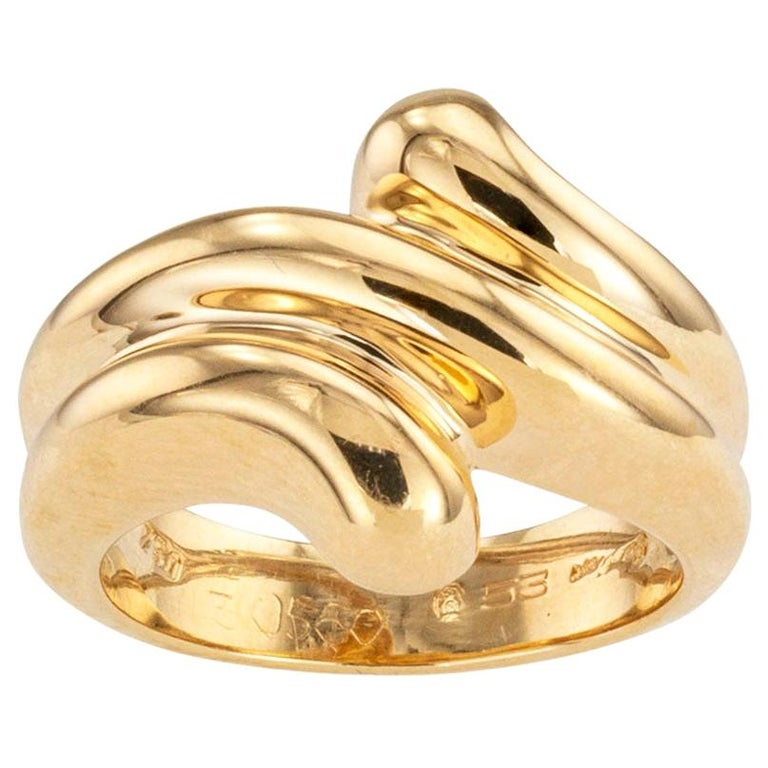 Cartier Fluted Yellow Gold Ring Band For Sale