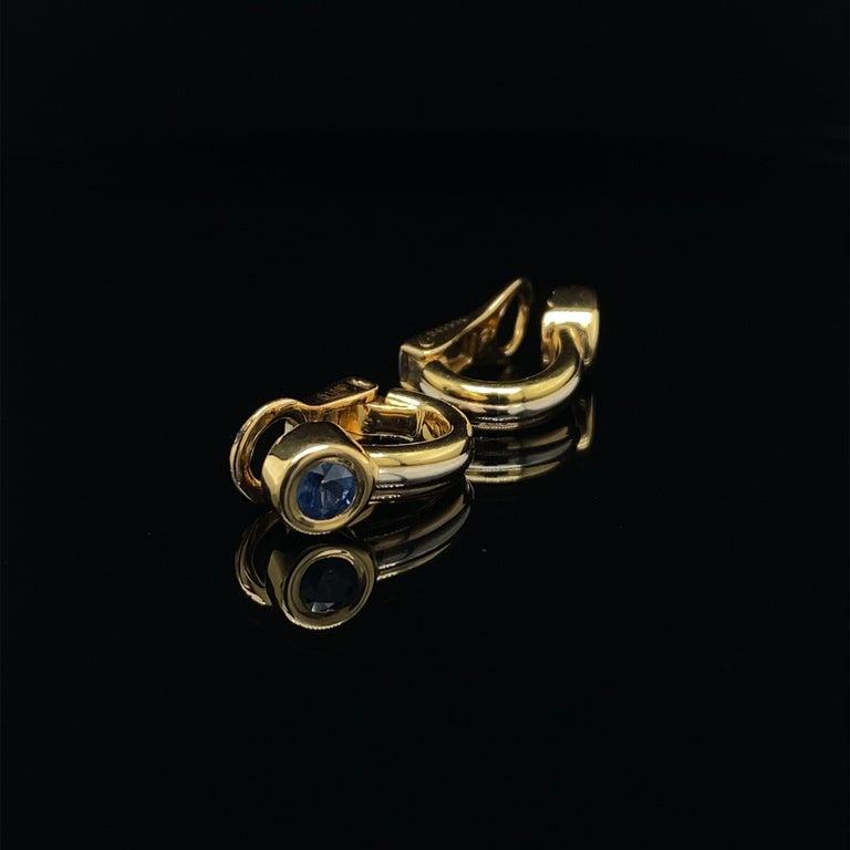 Women's or Men's Cartier Forgorra Vintage Trinity Sapphire 18 Karat Tri-Gold Earrings For Sale