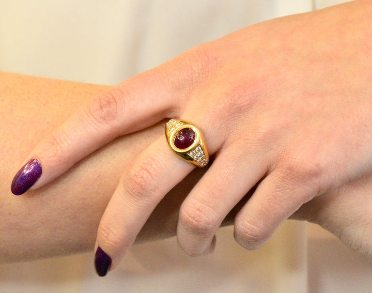 Cartier French 3.40 Carat Ruby Diamond 18 Karat Yellow Gold Ring For Sale 3