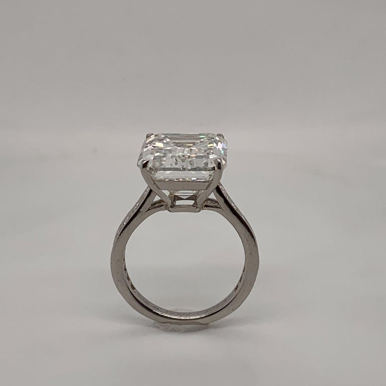 Cartier GIA Certified 10.29 Carat Emerald Cut Diamond Ring In Excellent Condition For Sale In New York, NY