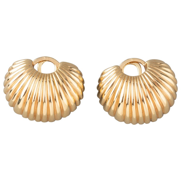 Cartier Gold Clip Earrings For Sale