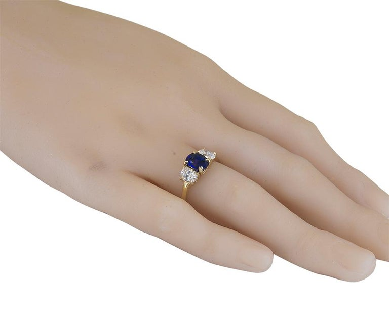 Cartier Gold Sapphire and Diamond Ring In Excellent Condition For Sale In New York, NY