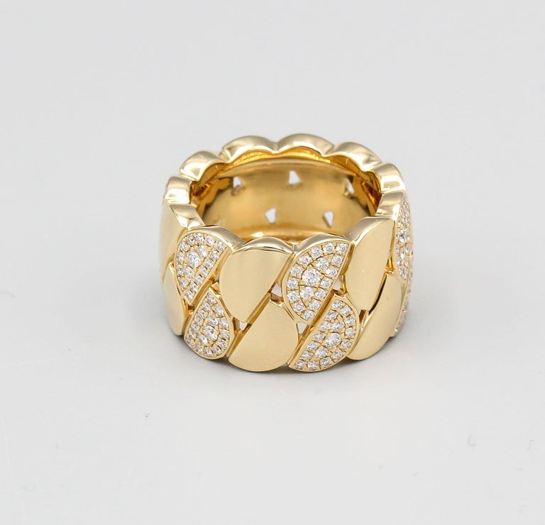 Fine 18K yellow gold and diamond band/ring from the