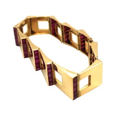 Cartier London Burma Rubies 18 Karat Rose Gold Escalier Bracelet, 1940s