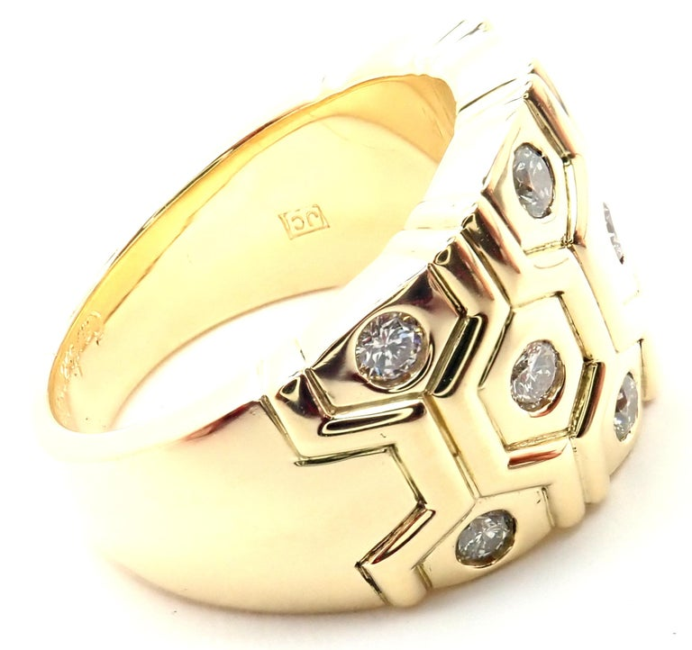 Cartier London Diamond Beehive Yellow Gold Wide Band Ring In Excellent Condition For Sale In Holland, PA