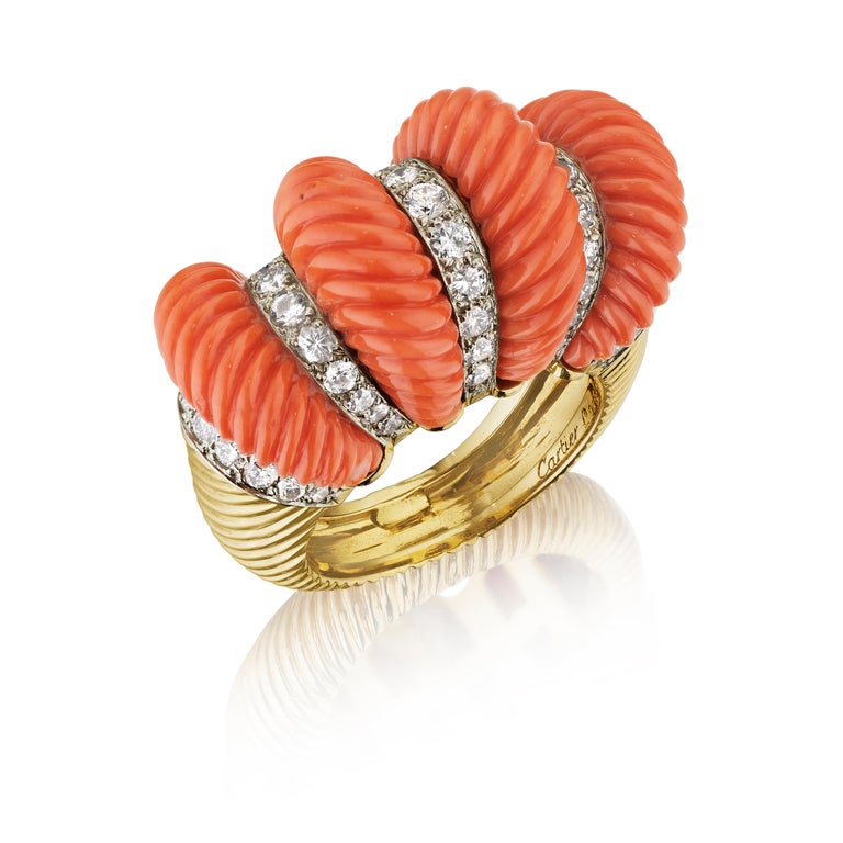 Round Cut Cartier London Retro Fluted Coral Diamond Gold Ring For Sale