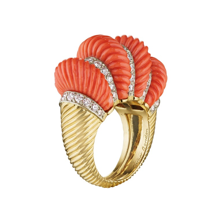 Cartier London Retro Fluted Coral Diamond Gold Ring For Sale