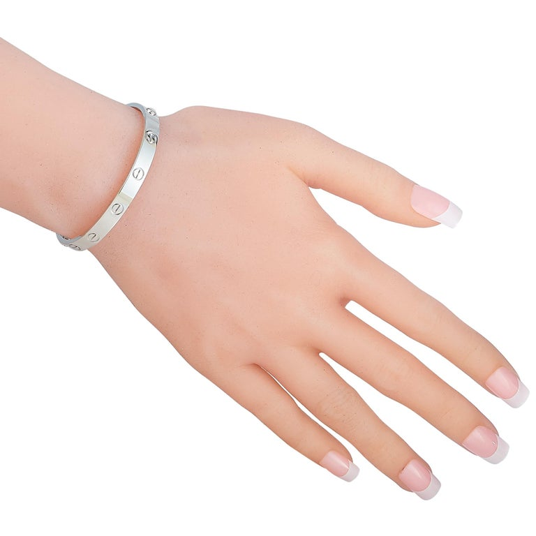 Cartier Love 18 Karat White Gold Bracelet with Screwdriver In Excellent Condition For Sale In Southampton, PA