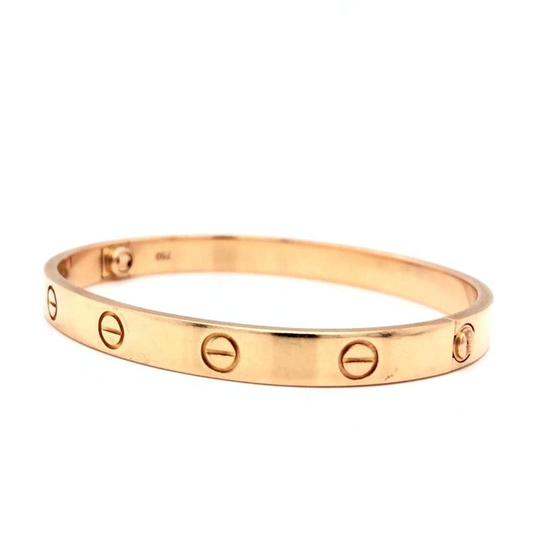 A child of 1970s New York, the LOVE collection remains today an iconic symbol of love that transgresses convention. The screw motifs, ideal oval shape, and undeniable elegance establish the piece as a timeless tribute to passionate romance. how far