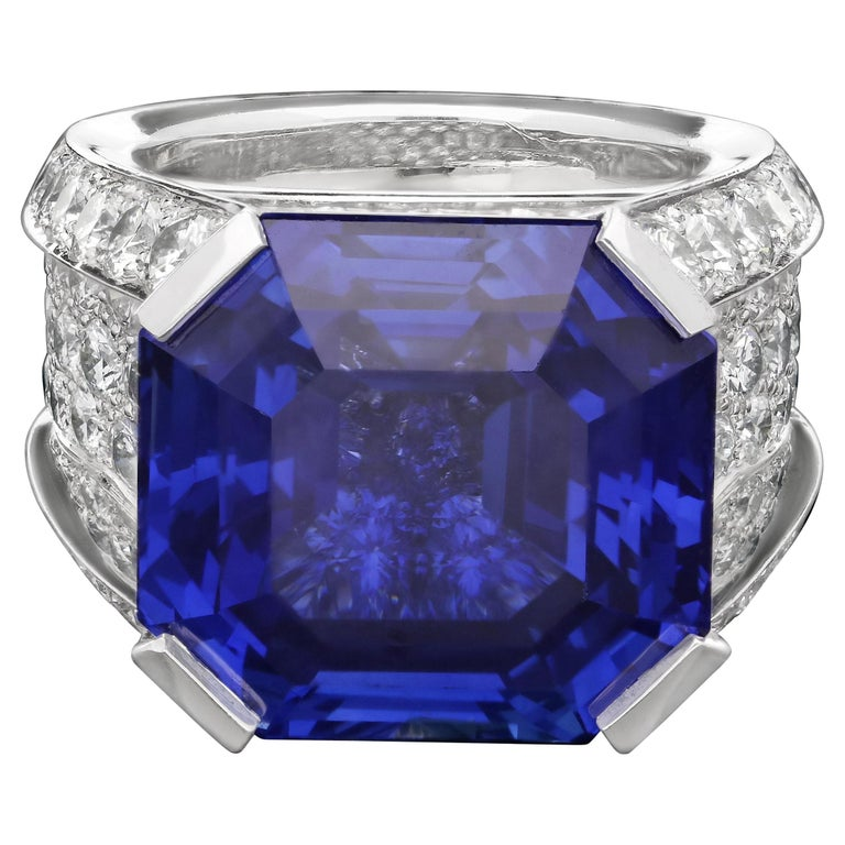 Cartier Magnificent 27carat Sapphire and Diamond Ring For Sale